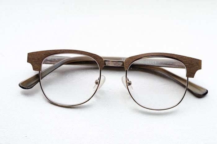Contoh kacamata frame kayu